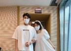 """""""집안이 반대하는 결혼""""…최화정, 21세 연하 이민웅과 커플샷"""