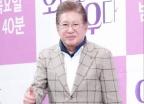 """""""임신한 39세 연하女, 김용건과 13년간 육체 관계…여친 아냐"""""""