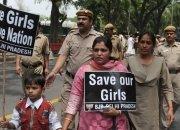 밭일하다 성폭행당해 숨진 인도 소녀…계급 낮아 수사 안 한다?