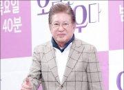 """""""김용건 잔인했다, 변호사 선임 전까지"""" 39세 연하 여친, 법적다툼 의지"""