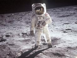 [MT리포트]반세기만에 다시 '우주전쟁'…이젠 달에 머문다