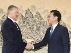 손잡은 한·미 북핵 수석대표