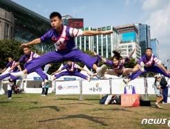 [사진] 화려함 뽐내는 중국 치어리딩팀