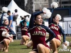 [사진] 일본 선수들 '치어리딩 이렇게'