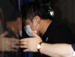 [사진] 호송차 타는 조국 장관 '사모펀드 의혹' 키맨 5촌 조카