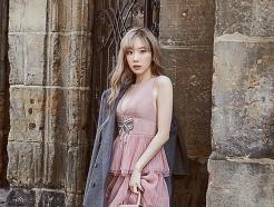 """프라하로 떠난 태연, 로맨틱한 가을 패션…""""매혹적"""""""