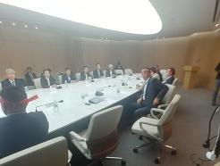 'WTO 개도국 지위' 간담회, 정부·농민 설전 끝 '중단'