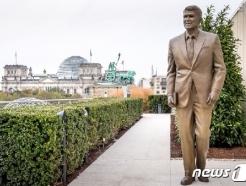 '냉전 종식' <strong>레이</strong>건 동상, 베를린에 '반쪽짜리' 건립