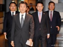 [사진]기자회견장 들어서는 정몽규 HDC 회장
