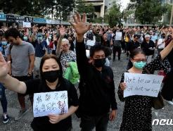 '준전시' 홍콩 가보니…총든 경찰 코앞서 게릴라 시위