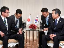 """""""日, '지소미아' 한국에 끝까지 현명한 대응 요구"""""""