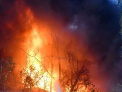 인도 뉴델리 공장서 큰 불…최소 43명 사망