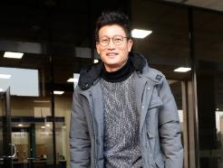 [사진] 검찰청사 나서는 김기현 전 울산시장 비서실장