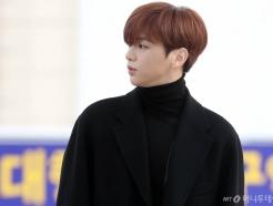 """'활동 중단' 강다니엘, '미우새'서 환한 미소…""""건강히 돌아와"""""""