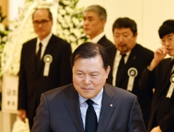[사진]故 김우중 전 회장 빈소 찾은 황각규 롯데 부회장