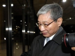 [사진] '삼성 합병 의혹' 장충기 전 사장, 검찰 소환