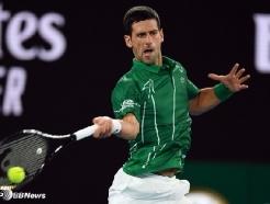 조코비치, 호주 오픈 2R 진출-8번째 우승 '순항'... ATP 통산 900승도