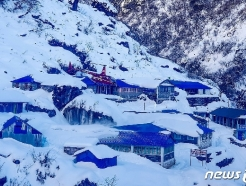 [사진] 네팔 한국인 교사 실종 닷새째, 안나푸르나 수색작업 난항