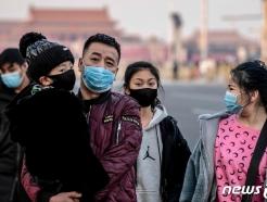 '우한폐렴' 감염 中의사 사망…2세 여아 확진 사례도(종합)