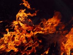 동해 펜션서 가스폭발 추정 사고..사상자 8명 발생