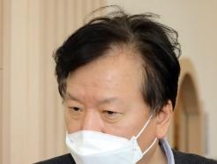 [사진] 마스크 쓴 정호영 경북대병원장