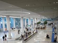 [사진] 코로나19 이후 절반으로 줄어든 인천공항 이용객