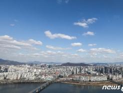 [사진] 코로나19는 잠시 잊자...서울에 찾아온 파란 하늘
