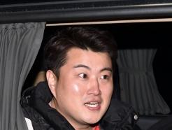 [사진]김호중 '축구실력 기대하세요!'