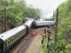 """중국 후난성서 열차 탈선·전복…""""사망자 없어""""(종합)"""