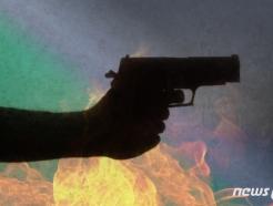 필리핀 코로나 검문소서 낫 휘두른 남성 사살
