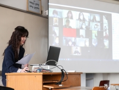 [사진]코로나19 여파에 온라인 수업