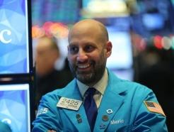 [속보] 뉴욕증시 상승 출발…S&P 1%↑