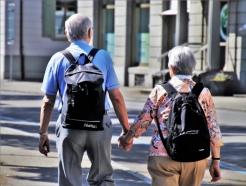 집값 비싼 홍콩의 노인들, '집 걱정' 없이 살 수 있는 까닭