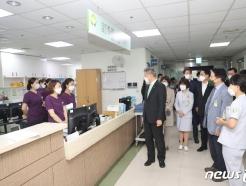 [사진] 대구보훈병원 직원 격려하는 박삼득 보훈처장