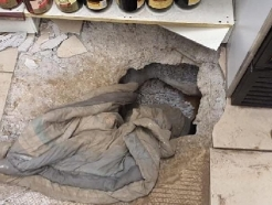 '코로나 금주령'에 땅굴까지 파 술 훔친 남아공 도둑들