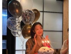 [N샷] 김고은, 행복한 30세 생일 파티…민낯 동안 미모