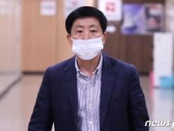경찰, 취재진 폭행 혐의 탈북민 단체 '박상학' 대표 조사