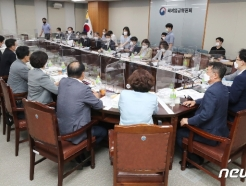 [사진] 사용자위원 -1% 삭감안에 근로자위원 퇴장한 최저임금위원회