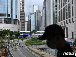 """""""팬데믹이 돌아오고 있다""""…홍콩, 다시 거리두기 강화"""