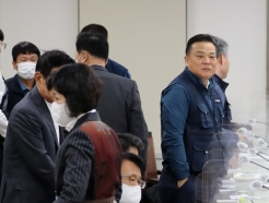 [사진] 정회와 속개 이어지는 최저임금위원회 전원회의