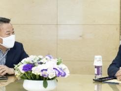 [사진] 우정노조위원장 만난 황서종 인사혁신처장