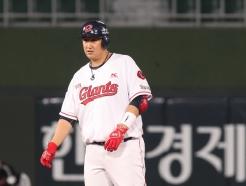 [사진] 롯데 이대호 '3타점 적시타'