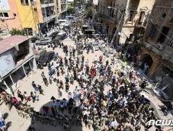 [사진] 반정부 시위 벌이는 베이루트 주민들