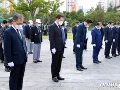 [사진] 이용섭 시장, 광주독립운동기념탑 참배