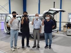 유니캠프, 신형 카니발 기반 '팝업 루프 캠핑카' 개발 착수