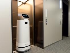 엘리베이터도 자유롭게…<strong>LG</strong> 자율주행 서브봇의 진화