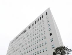 """'검사 술접대 의혹' 전관 변호사 영수증 공개…김봉현 """"측은하다"""""""