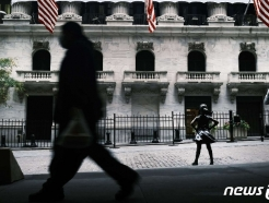 [뉴욕개장]하락 출발…코로나 확산+정치 긴장에 투자심리↓