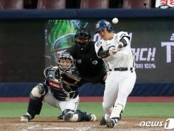 [사진] 박석민 '도망가는 적시타'
