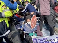 성주 사드기지에 자재 반입 예정…또 충돌 예상